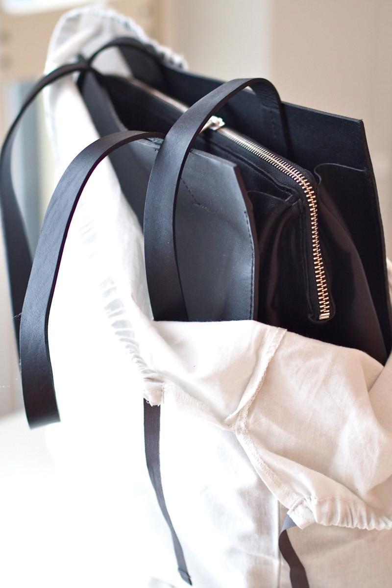 COS musta laukku